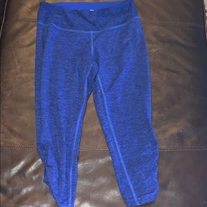 Women's New Balance blue Capri leggings